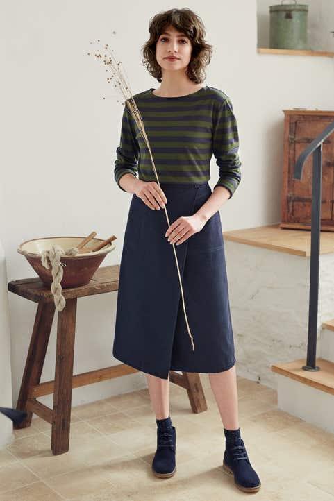 Willow Bark Skirt Model Image