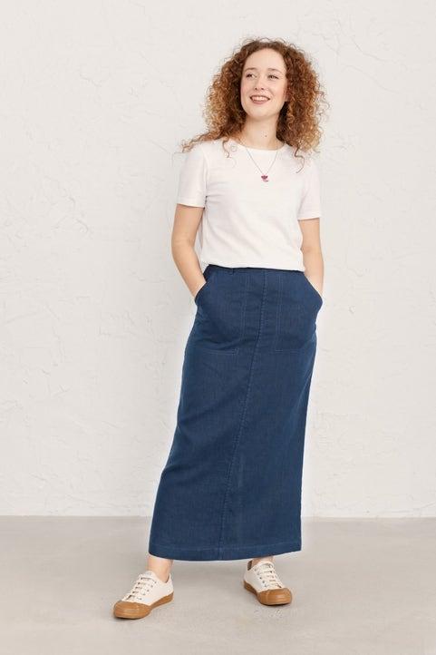 Landscape Artist Skirt Model Image