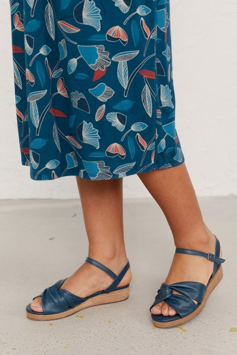 Flower Stem Sandal Model Image