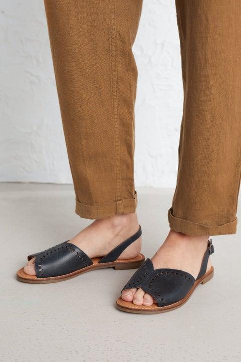 Lapwing Sandal Model Image