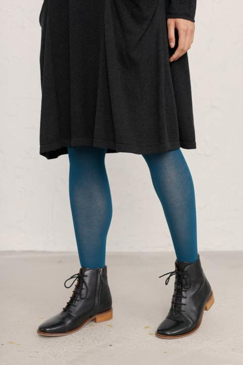 Leven Tights  Model Image