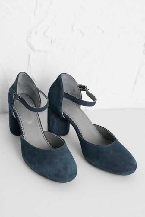Gemstone Shoe Image