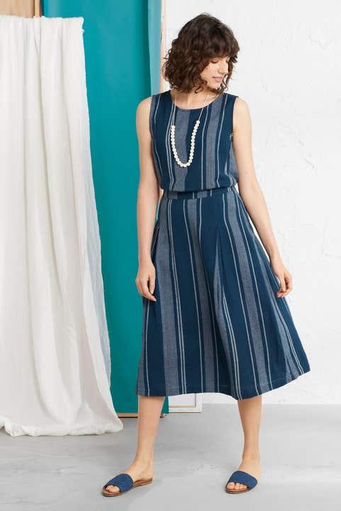 Sandbank Skirt Model Image