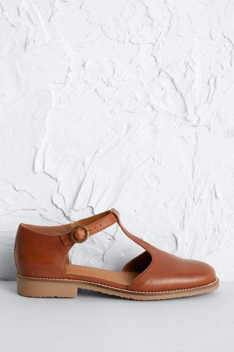 Doves Shoe Image