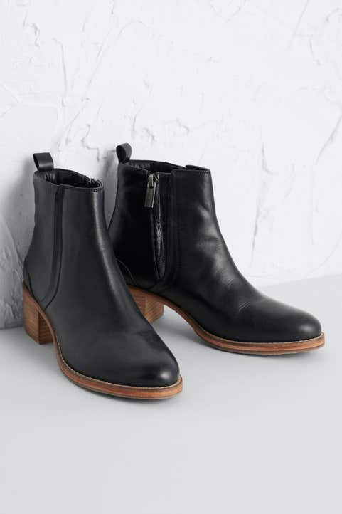 Rinsey Boot  Model Image