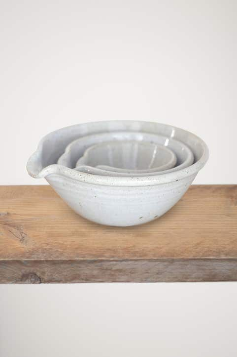 Leach Nest Of Pouring Bowls Model Image