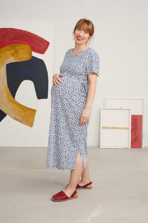Maternity Lauder Dress Model Image
