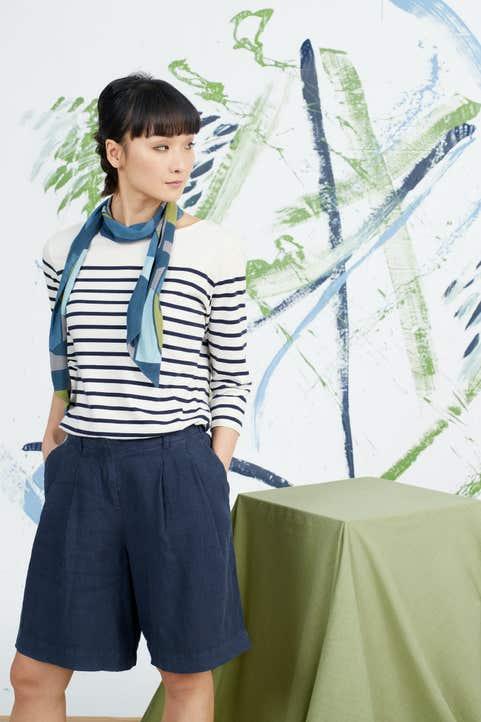 Clover Bloom Shorts Model Image