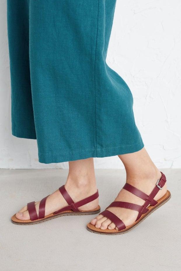 Wave Song Sandal Model Image