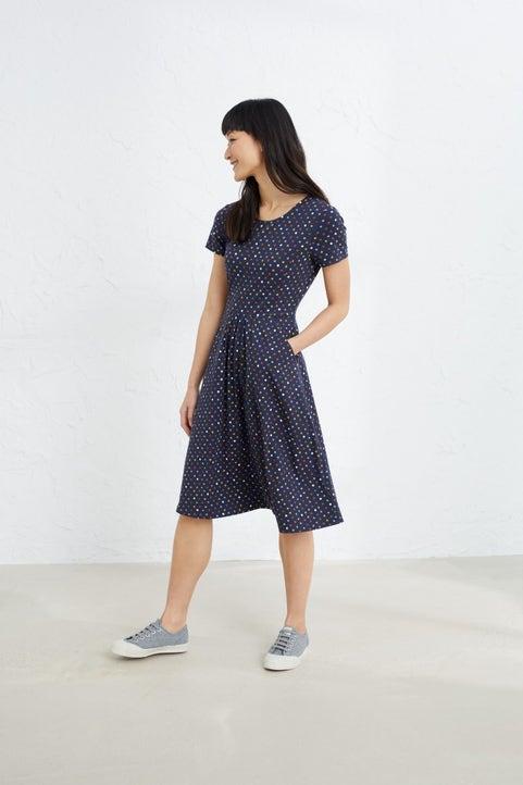 Short-sleeved Lake Dress Model Image