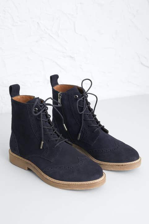 Conwenna Boot  Model Image