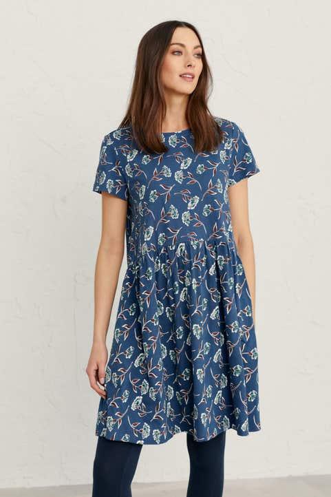Short-sleeved Sea Mirror Dress Model Image