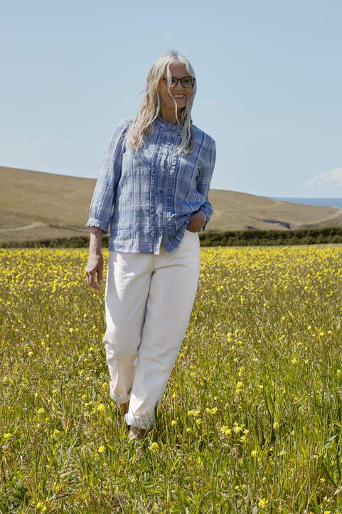 Cornflower Bunch Top Model Image