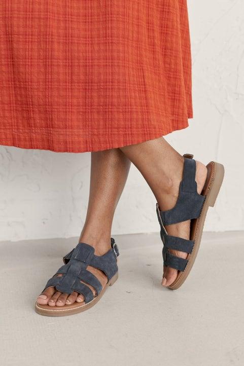 Pine Track Sandal Model Image