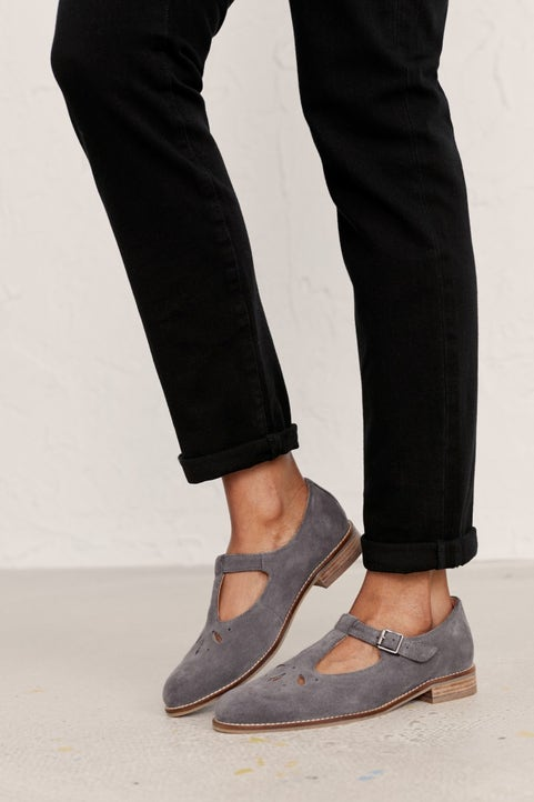 Penpoll Shoe Model Image