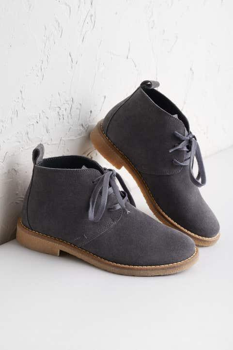 Rocky Shore Boot Model Image